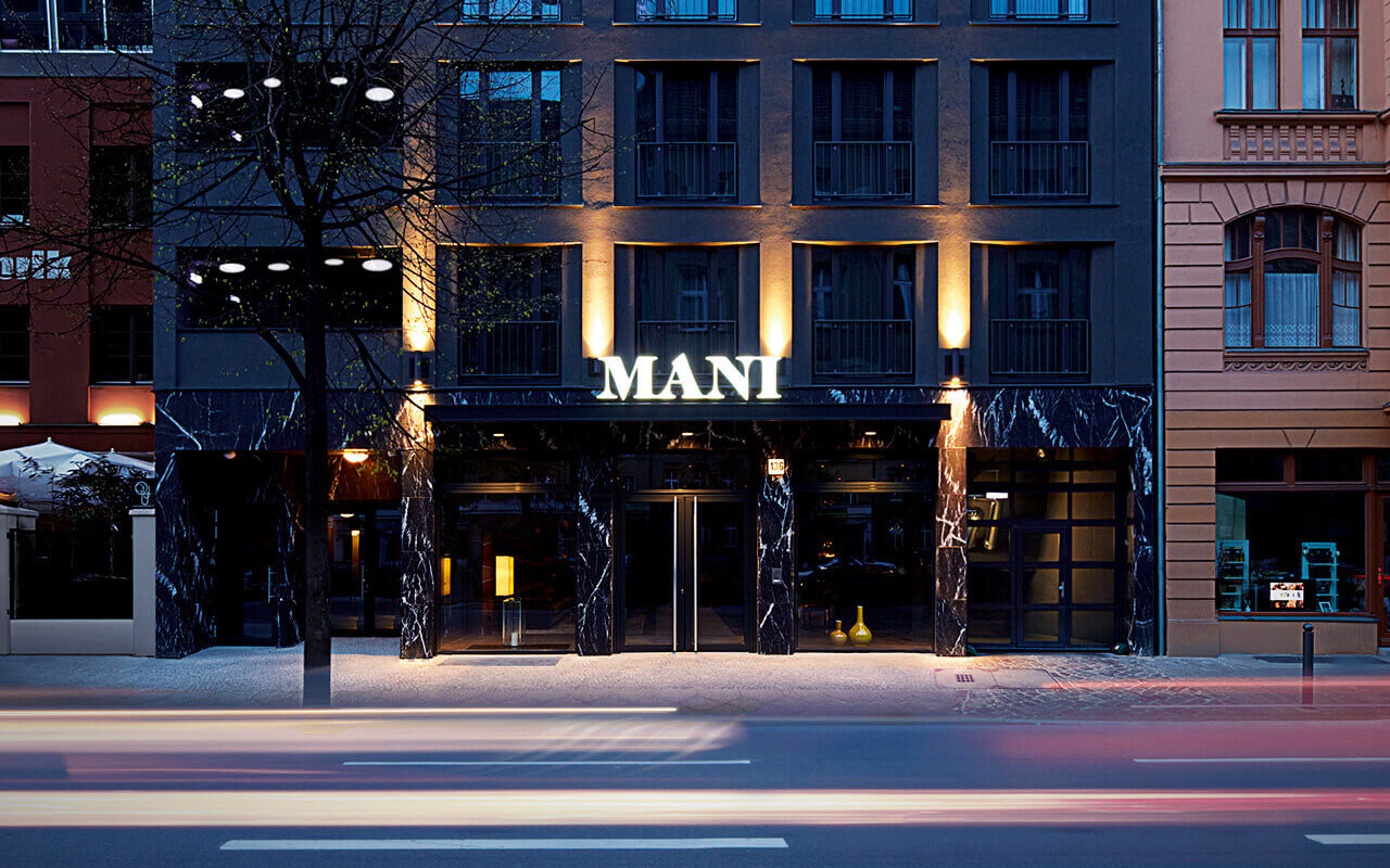 Hotel in berlin mitte best price guaranteed hotel mani for Top hotels in berlin