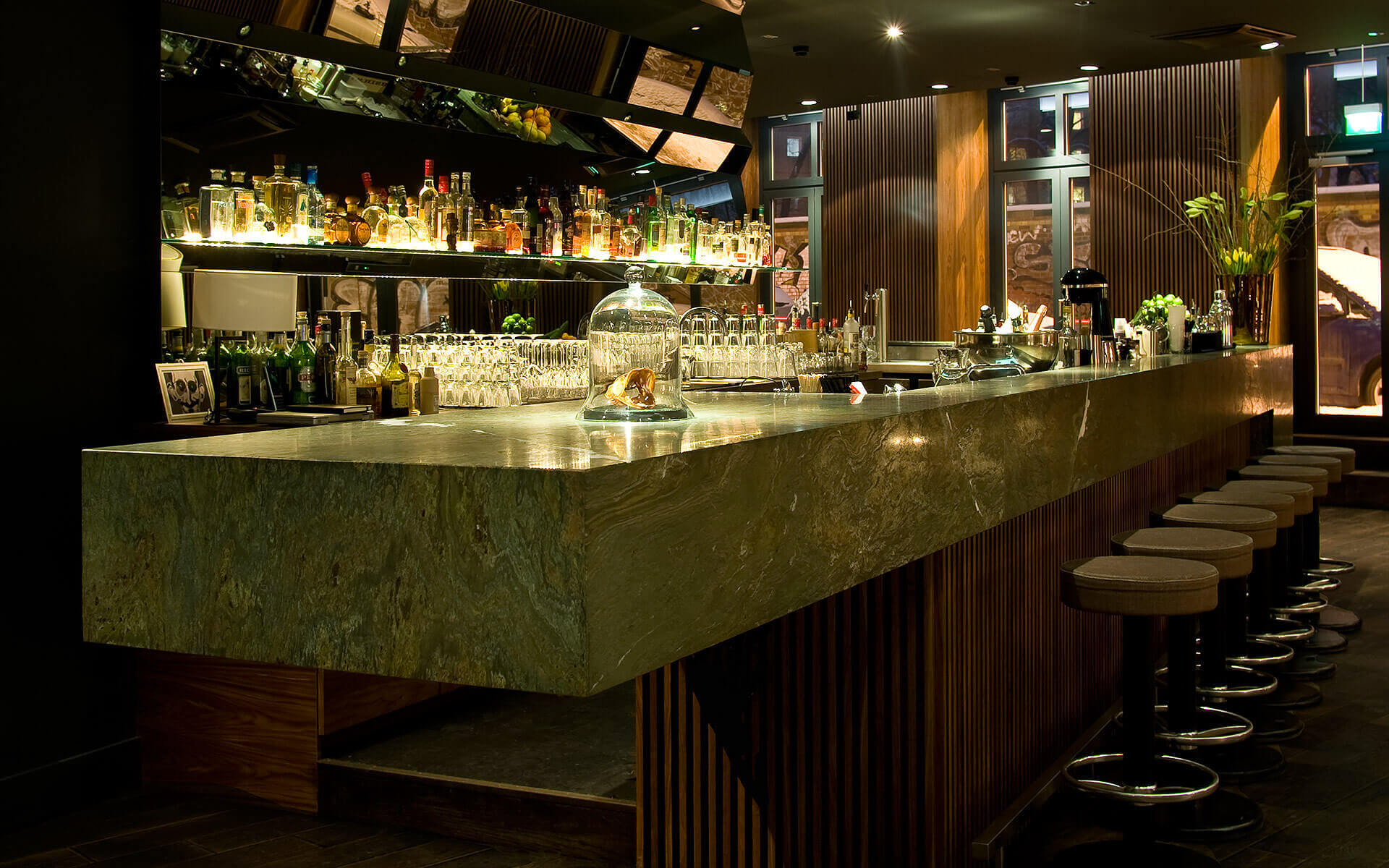 high end bar in berlin mitte amano bar. Black Bedroom Furniture Sets. Home Design Ideas