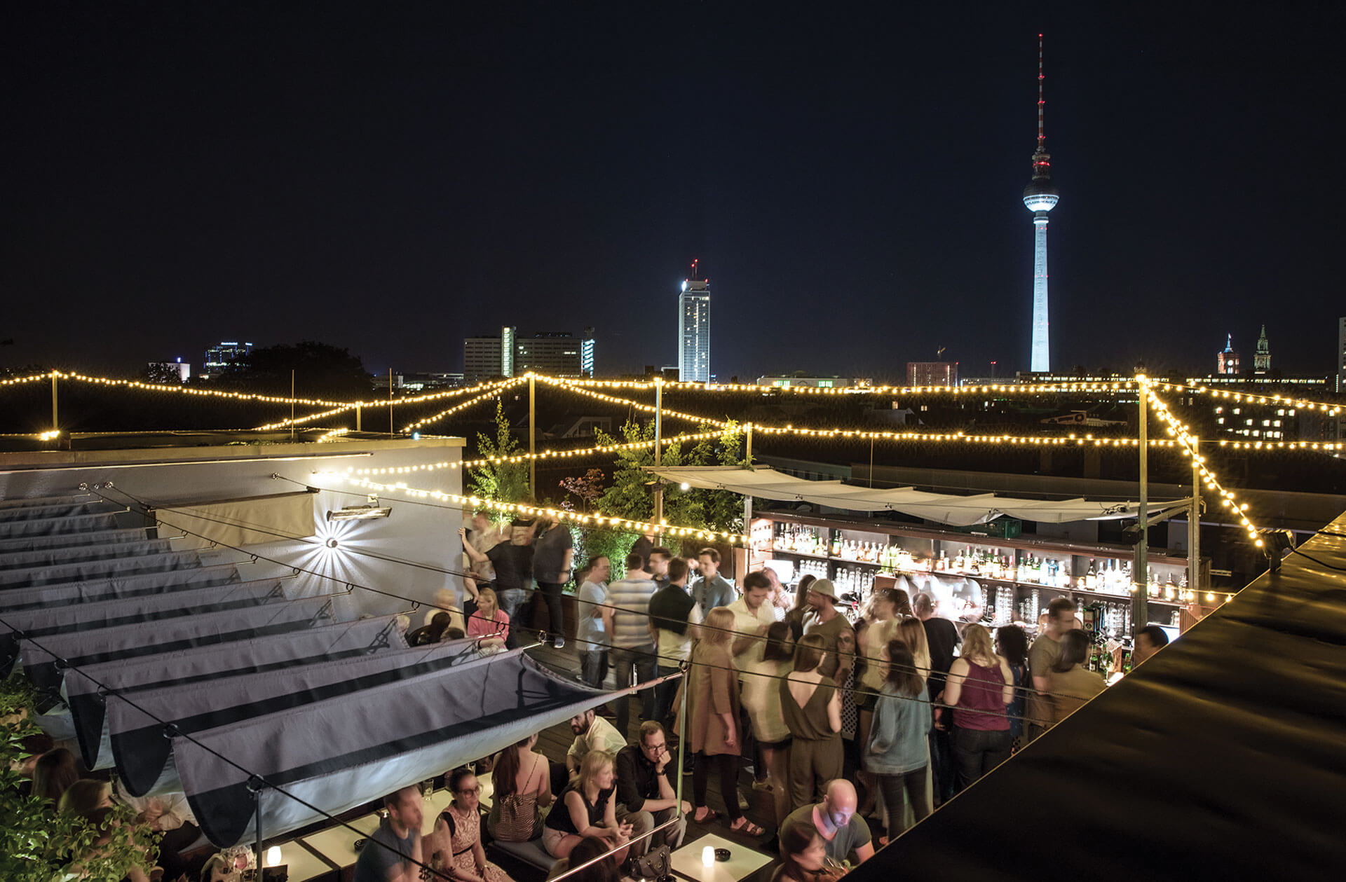 Bar With Panoramic View In Berlin Mitte Amano Rooftop Bar