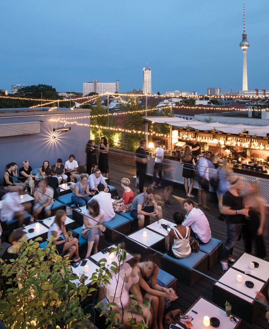 Bar mit Panoramablick in Berlin Mitte   AMANO Dachterrasse